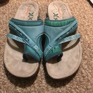 Merrell Terran Post Blue Sandals.  Size 7